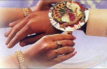 Raksha Bandhan 2015 will be celebrated on 10 August