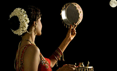 Karwa Chauth 2016 date is October 30.