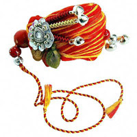 Sister tie Rakhi on wrists of brothers and sing Raksha Bandhan songs