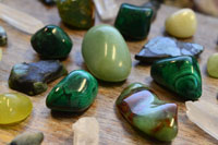 Use Crystal Healing Therapy, Stones & Necklace Jewelry for Good Luck